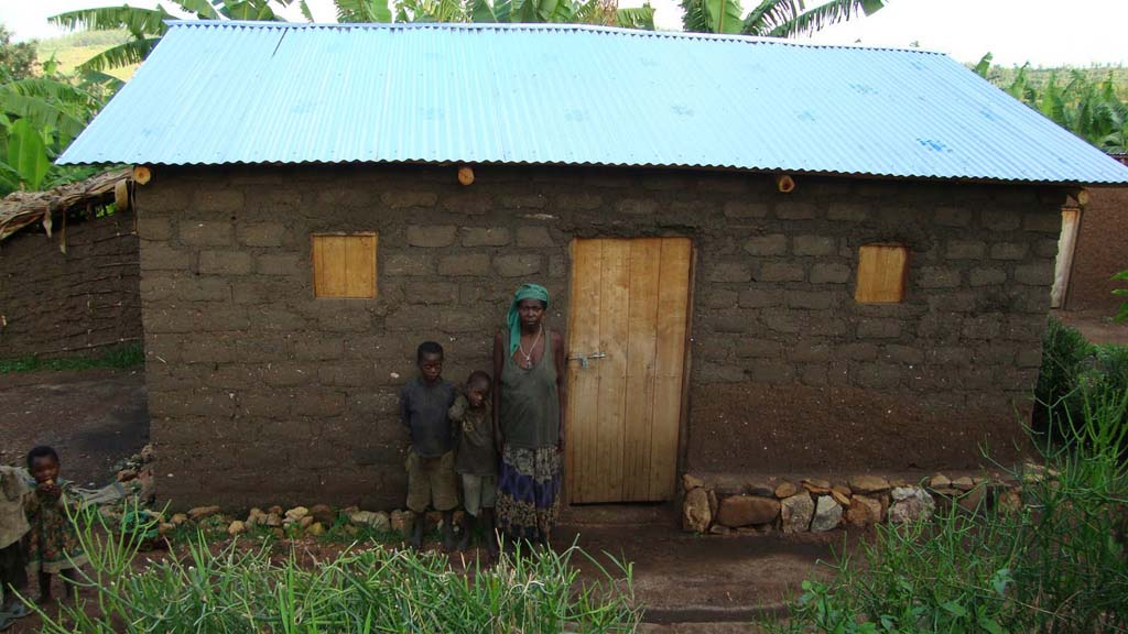 rwanda-vivienda-familia-apoyo-solidario_02