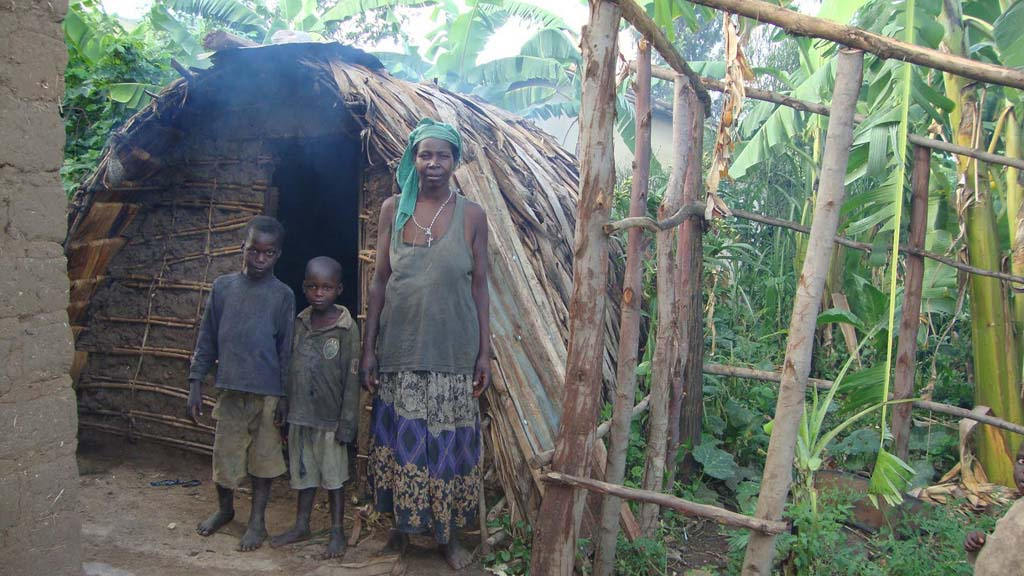 rwanda-vivienda-familia-sin-recursos_02