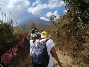 Subida por la vida al volcán de Agua