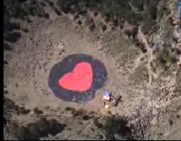 Corazón pintado en la cumbre