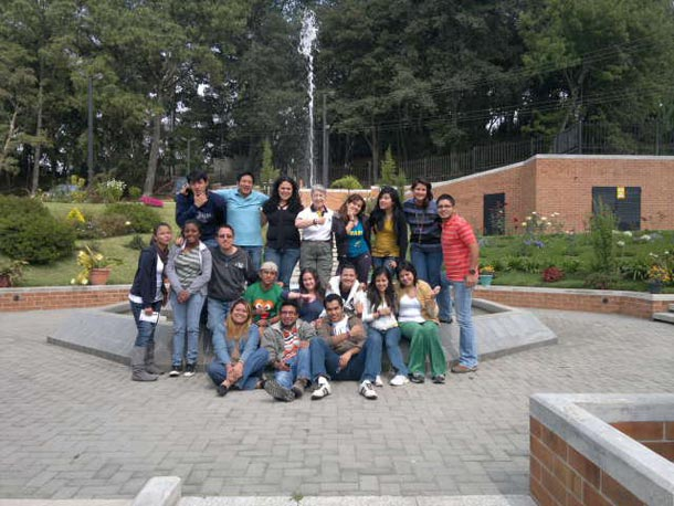campamento-existe-abril-2011